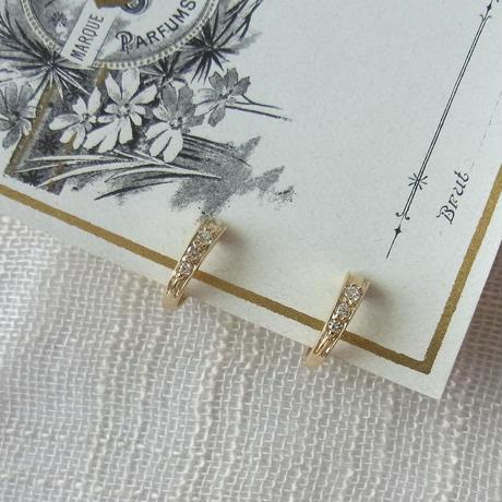[Gold]3石キュービックのレディなイヤリング