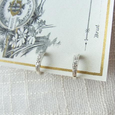 [Silver]3石キュービックのレディなイヤリング