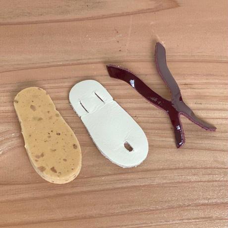 革で作る ミニチュアビーチサンダル
