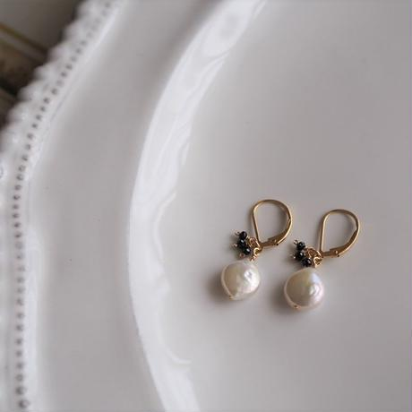 14kgf Pearl & Black spinel pierce [PP021]