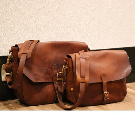 "VASCO VS-248L【 LEATHER POSTMAN SHOULDER BAG 】CAMEL ""US MAIL""  Size.Large"