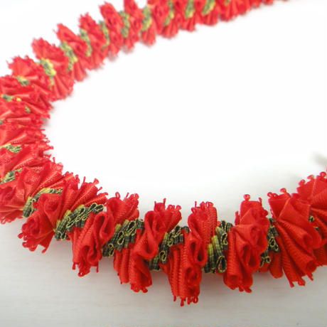 Mini Carnation Lei