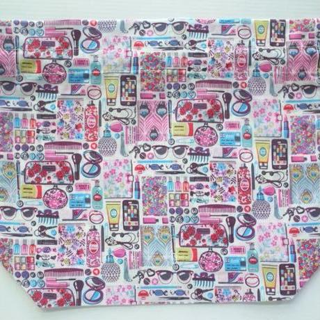 リバティトラベル巾着・コスメ柄(フォゲッツミーノッツ)ピンク