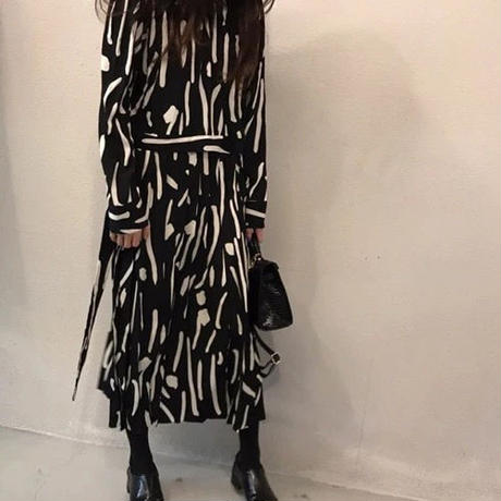 Ab Print Pleatedドレス《BLACK/WHITE》