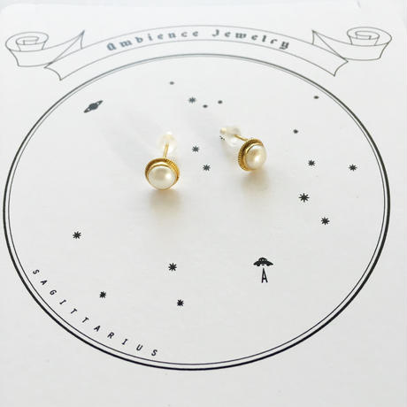 Sun moon simple studs round Pierce / Pearl