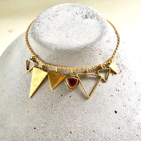 January birth stone / Garnet / triangle bracelate