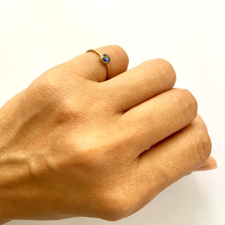 Simple ring / Blue sapphire
