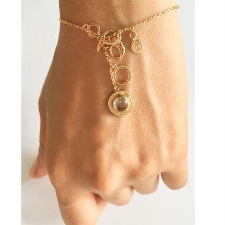 Saturn 1stone bracelate/ clear moonstone