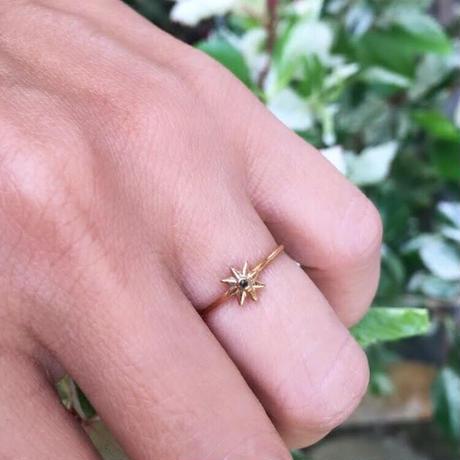 Tiny juicy ring / 1 Star diamond