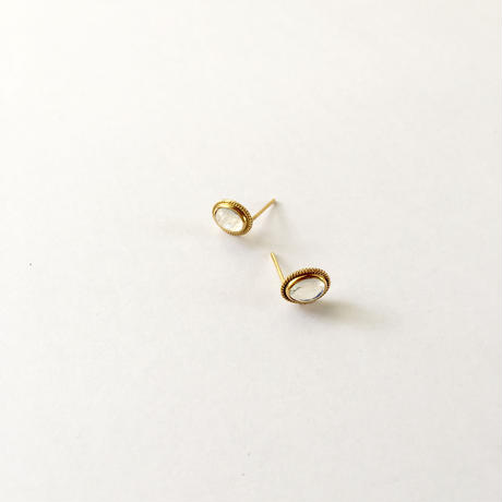 Sunmoon simple studs / Rainbow moonstone Oval