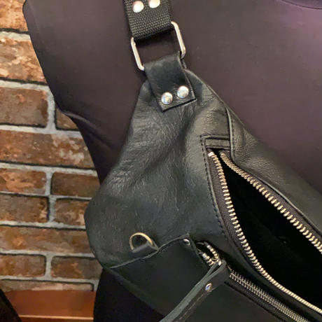 限定leather ボディーバックオリジナル