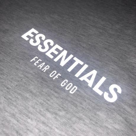ESSENTIALS / L.A LIMITED BOXY LOGO TEE - GRAY -
