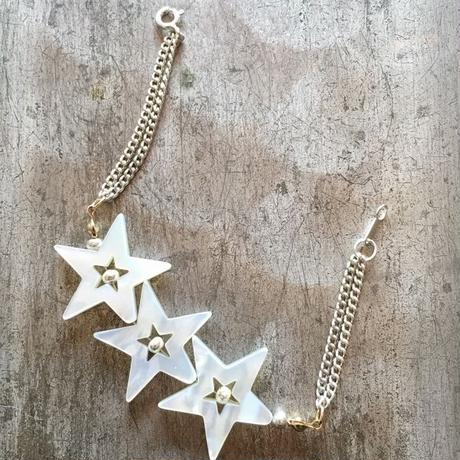 White shell bracelet (star)