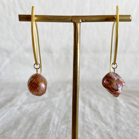 baroque pearl pierce (white)