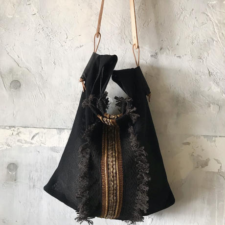 lace shoulder bag (black)