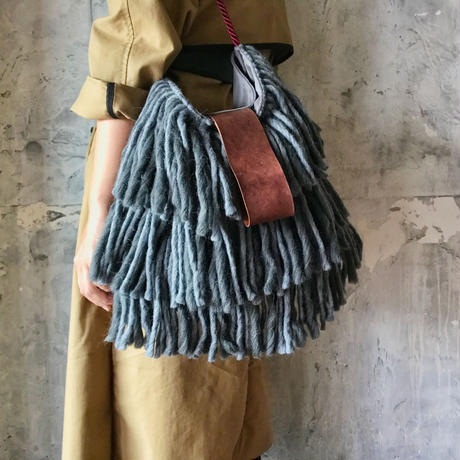yarn fringe bag (gray)
