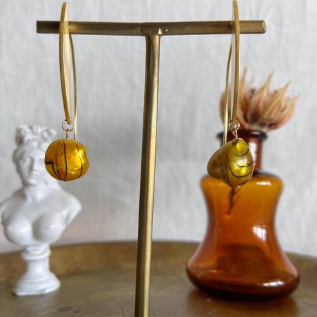 baroque pearl pierce (yellow)