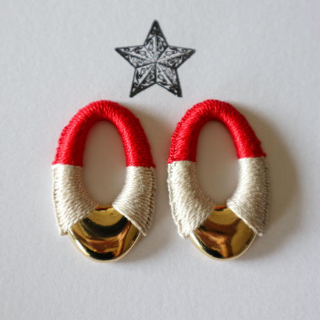 by color pierce (red × ivory)
