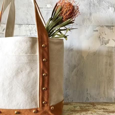 canvas tote bag  medium (camel&white)