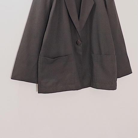 light jacket / black
