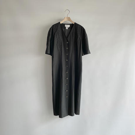 Black embroidery one-piece