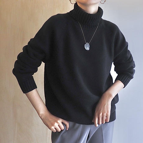 simple navy knit