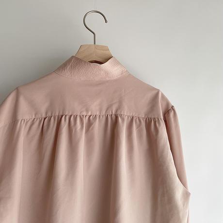 Pink beige high-neck shirt