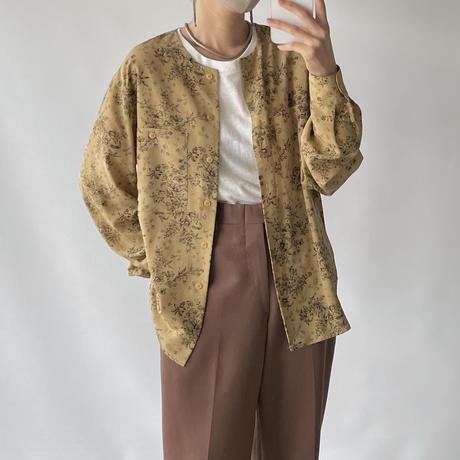 Flower pattern no-collar blouse