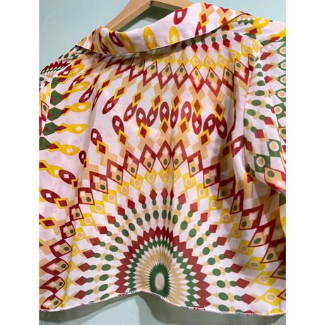 Psychedelic pattern cropped-shirt