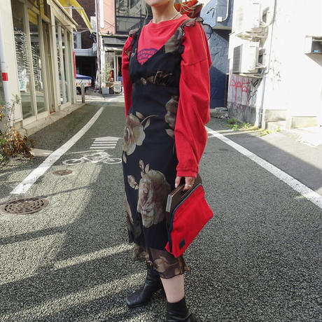 Frill no-sleeve onepiece