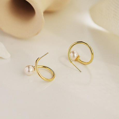 Gold hoop pearl earrings/ゴールドフープ パールピアス