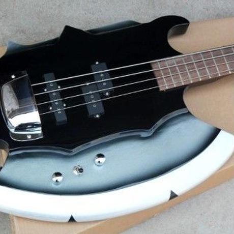 変形ギター 斧型 個性を出したい方におすすめ 4弦 ライブやコスプレに