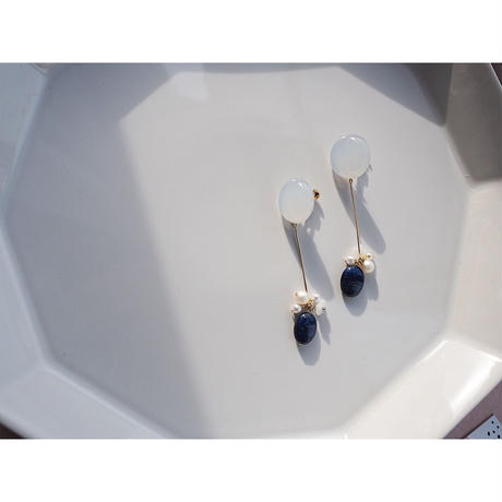 天然石*ラピスラズリ&パールのロングイヤリング