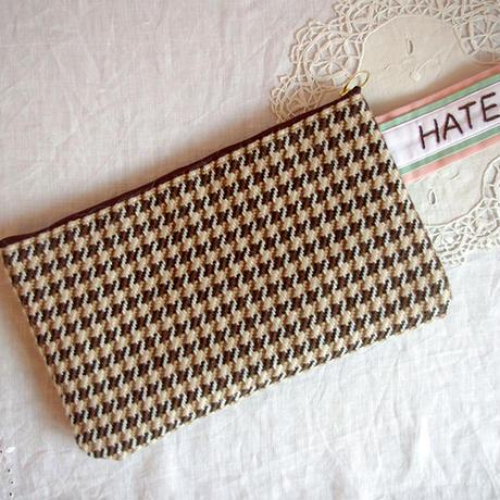 """LOVE HATE"" クラッチ・バッグ | ピンク×ミント"