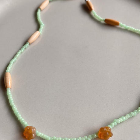 beads necklace mint