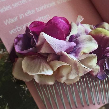 期間限定SALE+送料無料/パープルのグラデーションあじさいのヘアコーム・ ヘアアクセサリーに、お誕生日プレゼントに/ウエディング・和装・浴衣