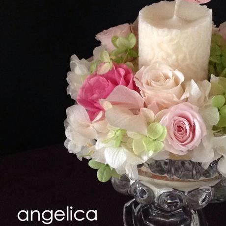 エレガントなプリザーブドフラワーアレンジ。ソイキャンドルのオリジナルアロマキャンドルに、ガラスの器が高級感 お祝いに、お誕生日に ご結婚祝いに