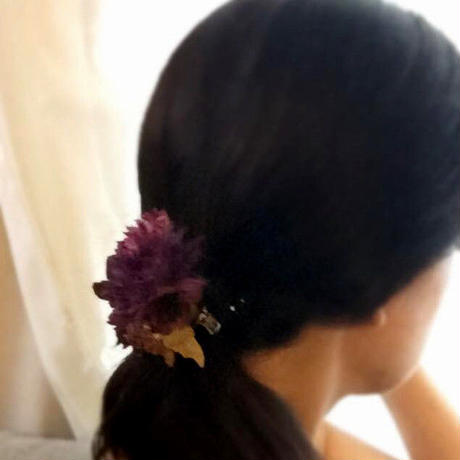 コサージュ こっくりした パープル。ウエディングの髪飾りにも。ブローチ/クリップ2WAY/アンティーク調・入学/卒業