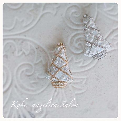 小さなクリスマスツリーブローチ/ストールに、コートに、帽子に、バッグに・・・さりげなくクリスマスプレゼント