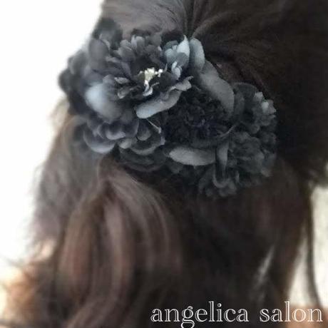 マットなブラック、グレーグラデーションのアジサイバレッタ・セミロング ロングのヘアアクセサリー/黒い髪飾り/アーティフィシャルフラワー アートフラワー フォーマル、お受験ママ用に