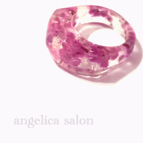 女性らしいパープルピンクのプリザーブドフラワーを閉じ込めて,  透明リング/クリアービジュー ガラスの様な指輪