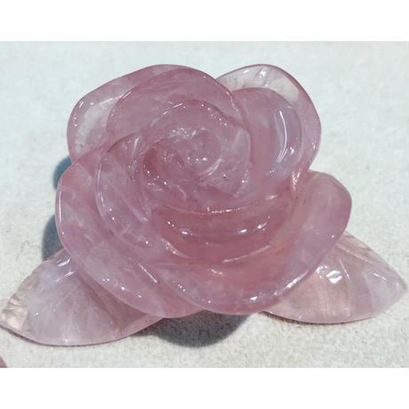 ローズクォーツ 手彫りの薔薇 1