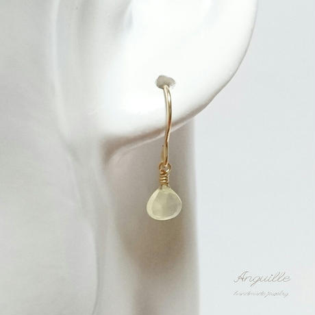 14kgf*Petite Earrings [Maron Cut Light Green Chalcedony]*