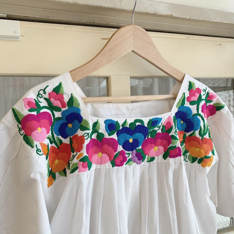 used us embroidery  blouse