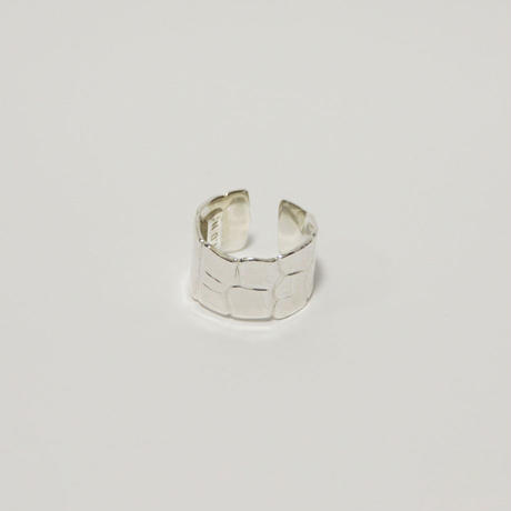CROCODILE EMBOSS RING