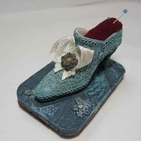 手のひらサイズの靴のピンクッション f-1245