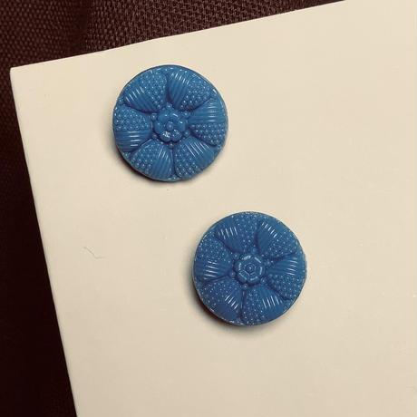 チェコガラス花ボタン直径13mm ブルー f-1409