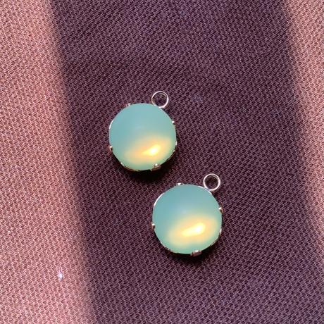 ウランガラスカボションセッティング付き チェコガラス直径10mm a-1450