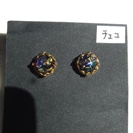 ファイヤーオパールガラススタッドのピアス a-1349