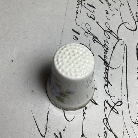 ボーンチャイナシンブル ロイヤルアルバート窯 イギリス f-1241